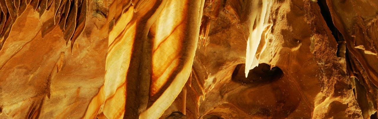 jenolan caves from sydney