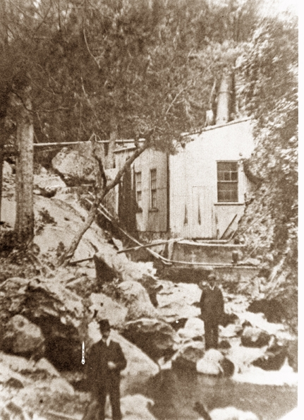 Jenolan's Leffel Wheel shed - no longer there.